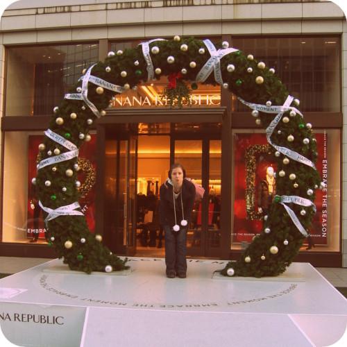 Noch 100 Tage bis Weihnachten. Ich am Heilig Abend in Tokio, Ginza.