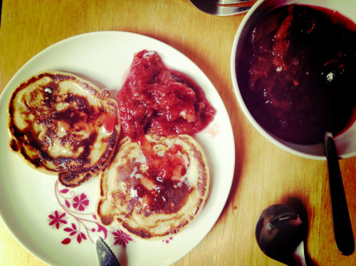 20130928_01_hallo-herbst-2013-pancakes-zwetschgenkompott