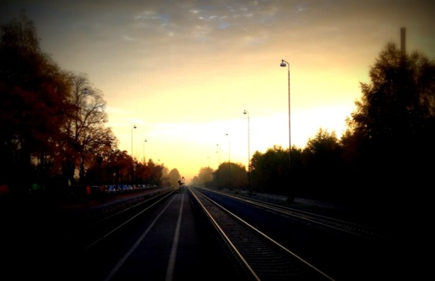 Bahnhof Dorfen morgens im Herbst
