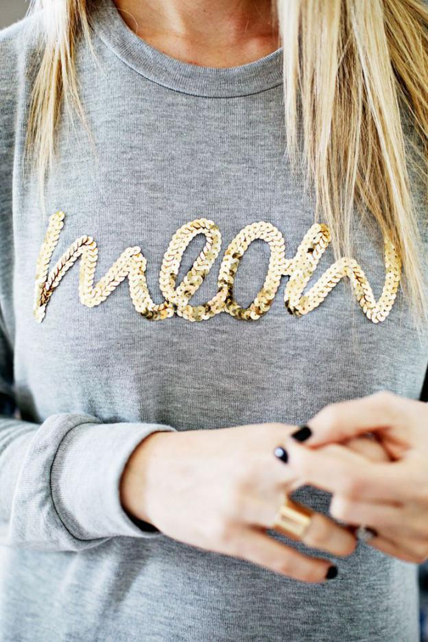 Shirt mit Pailletten-Schriftzug von A Beautiful Mess