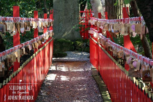 Viele Wünsche auf japanischen ema