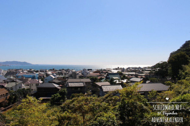 Blick über Kamakura vom Hasedera Tempel aus